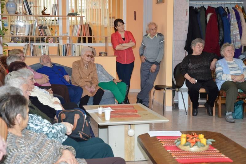 Idősek Karácsonya baráti társaságban 5