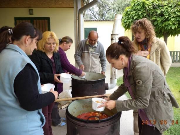 Közösségi program a Pécs környéki időseknek 2