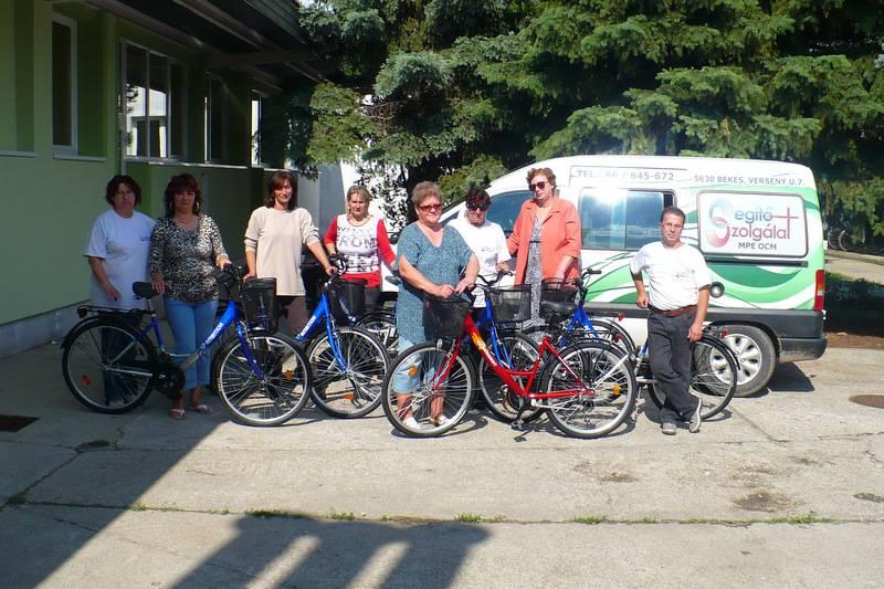 Új kerékpárok a Segítő Szolgálat békési telephelyén 1