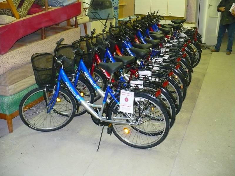 Új kerékpárok a Segítő Szolgálat békési telephelyén 2