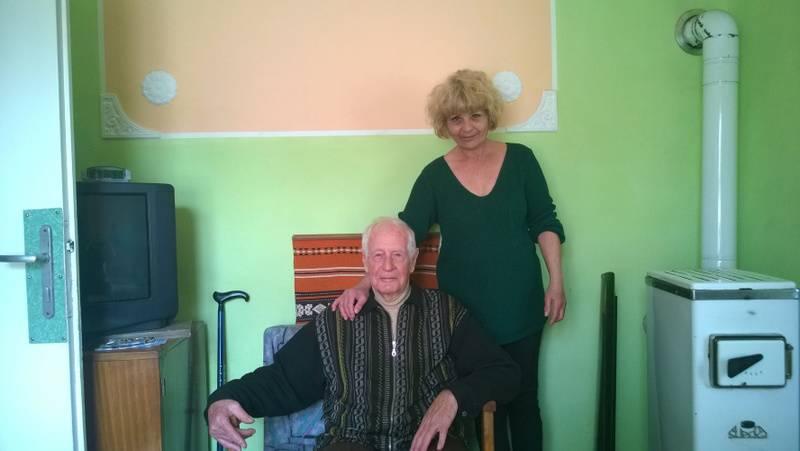 Ózdi munkatársaink 91 éves ellátottunkat köszöntötték 2