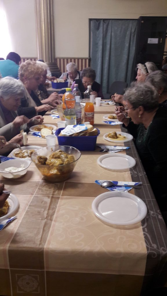 Ünnepi műsor és közös ebéd Ózdon 5