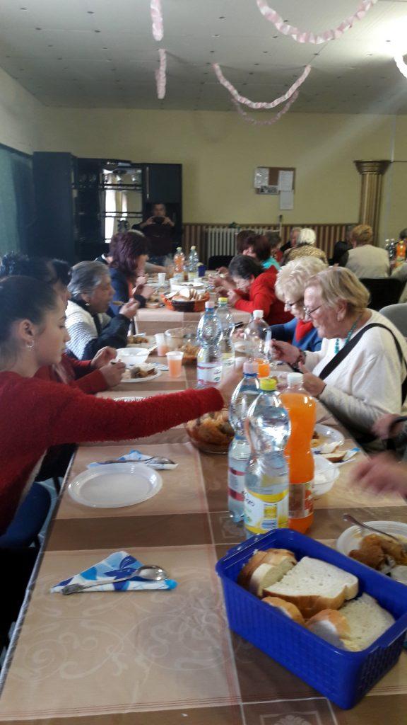 Ünnepi műsor és közös ebéd Ózdon 7