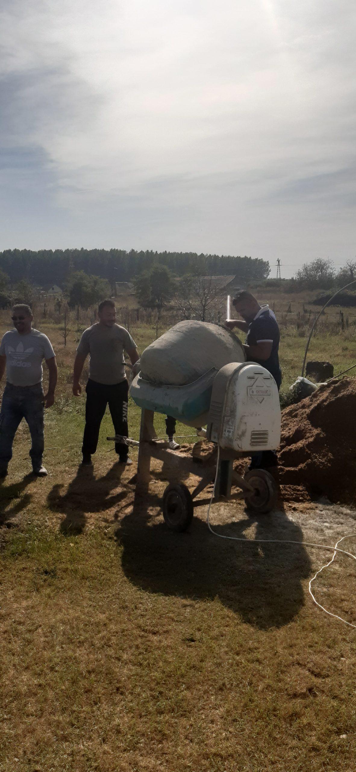 Raktárt épít és gyülekezetet újít fel a Nyírvasvári SZERETETPONT 2