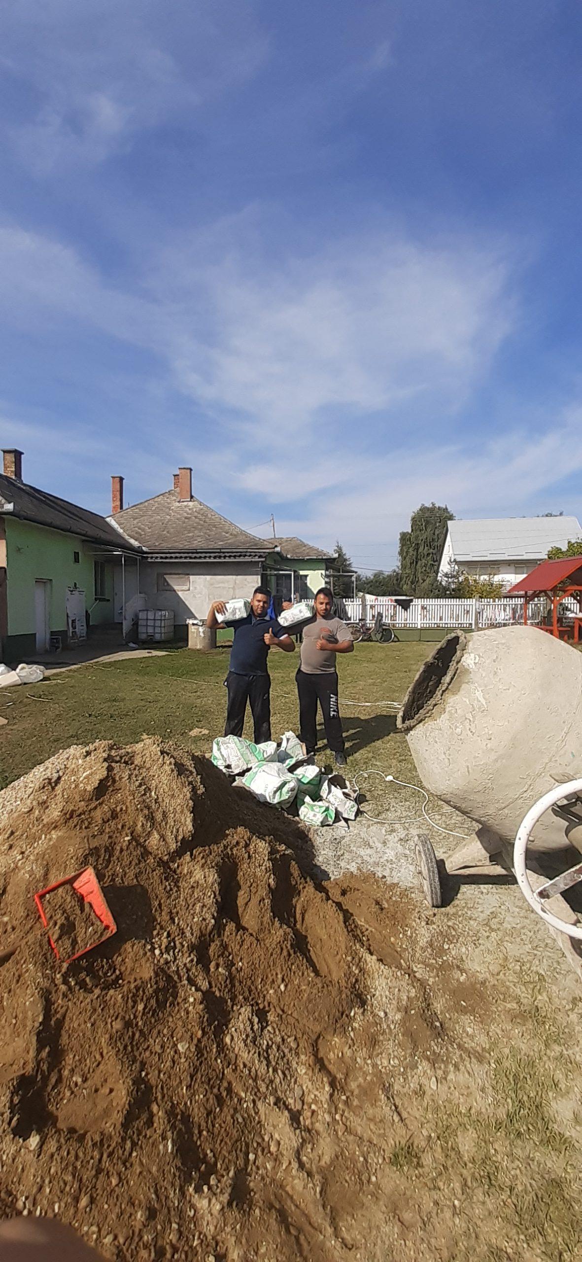 Raktárt épít és gyülekezetet újít fel a Nyírvasvári SZERETETPONT 3