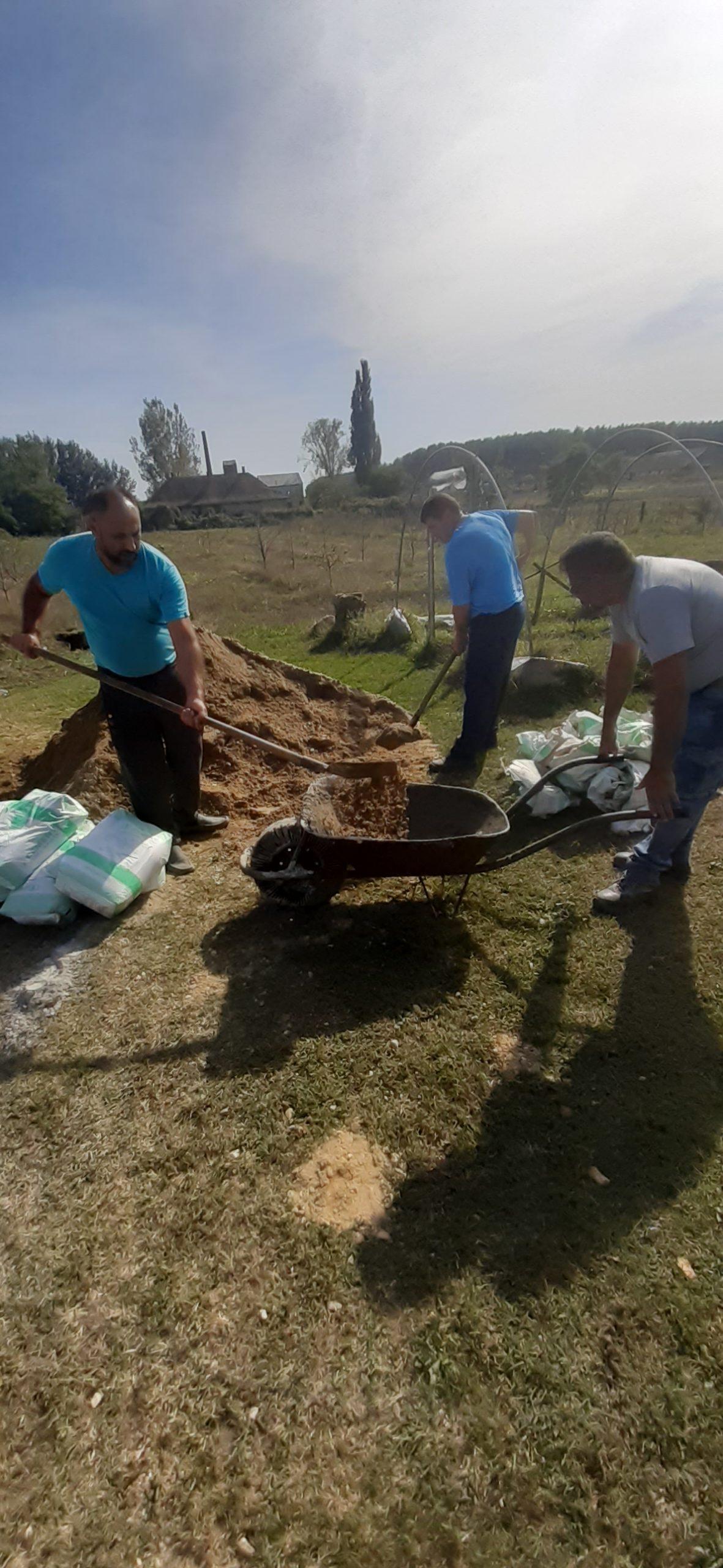 Raktárt épít és gyülekezetet újít fel a Nyírvasvári SZERETETPONT 5