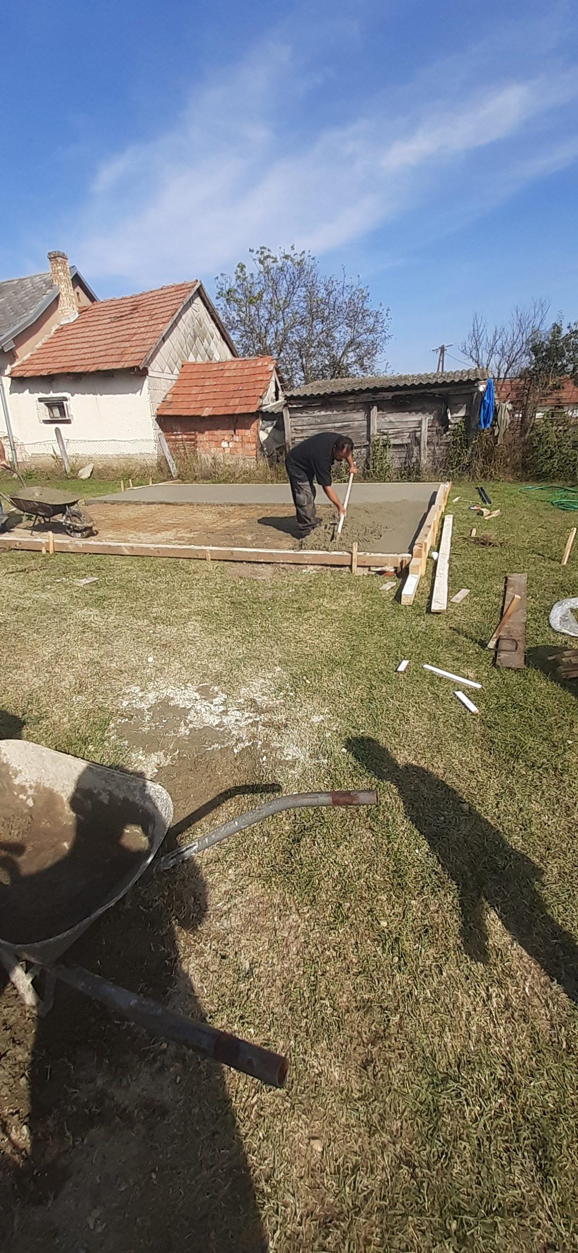 Raktárt épít és gyülekezetet újít fel a Nyírvasvári SZERETETPONT 9