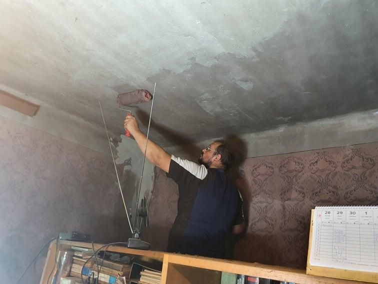Magányosan élő hölgy otthonát tette újra élhetővé a Zákányszéki SZERETETPONT 17