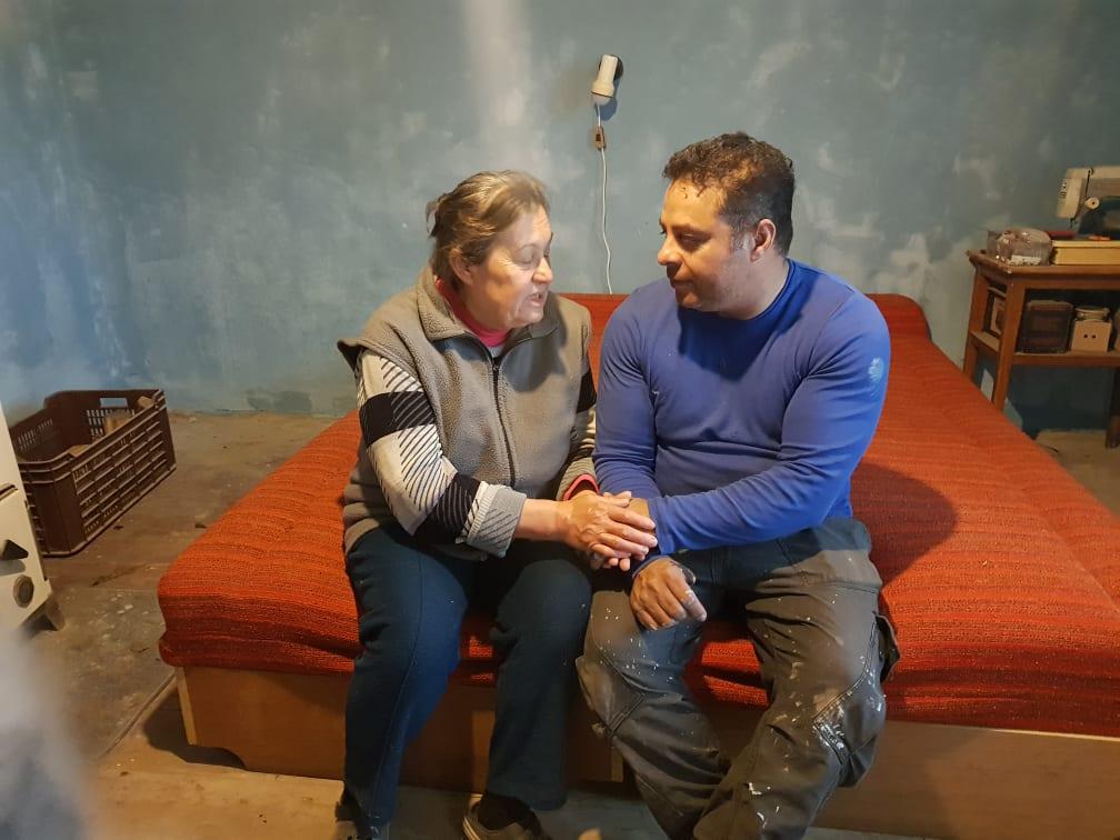 Magányosan élő hölgy otthonát tette újra élhetővé a Zákányszéki SZERETETPONT 28
