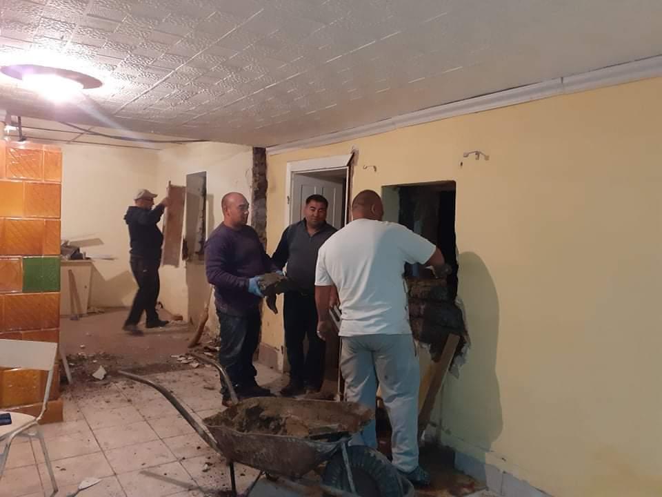 Raktárt épít és gyülekezetet újít fel a Nyírvasvári SZERETETPONT 20
