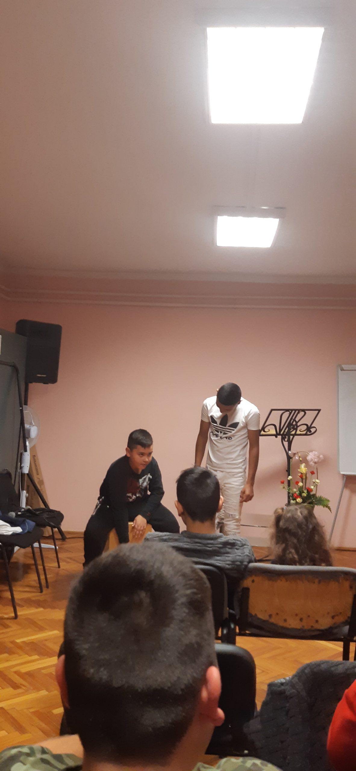Menedék a fiataloknak - Nyírségi Ifjúsági Klub! 5