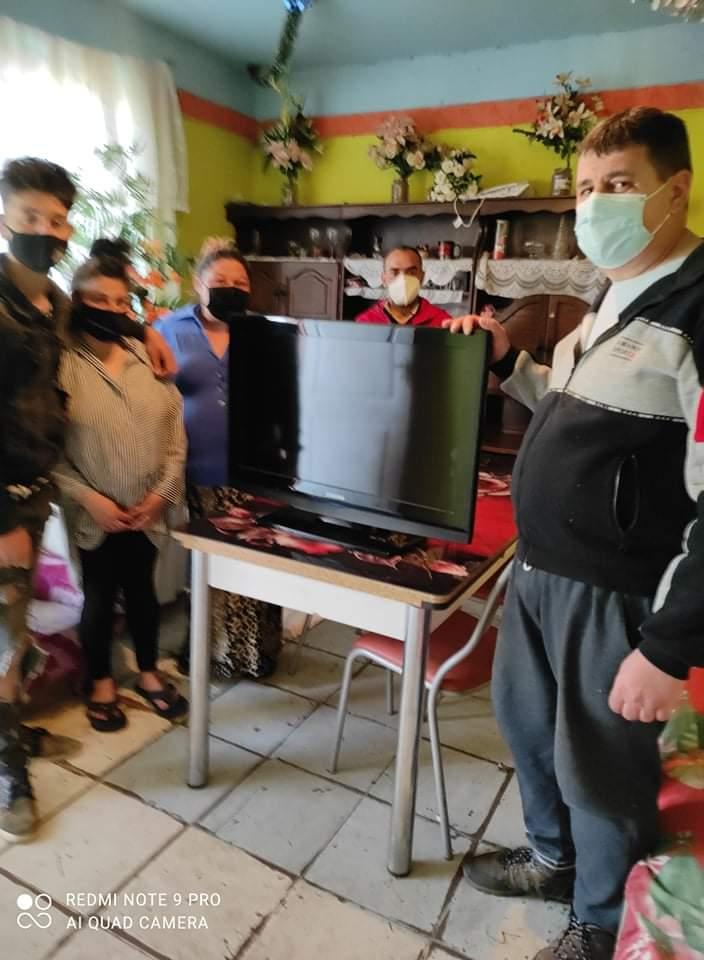 Bútorokat és televíziókészülékeket osztott a Nyírvasvári SZERETETPONT rászoruló családoknak 3