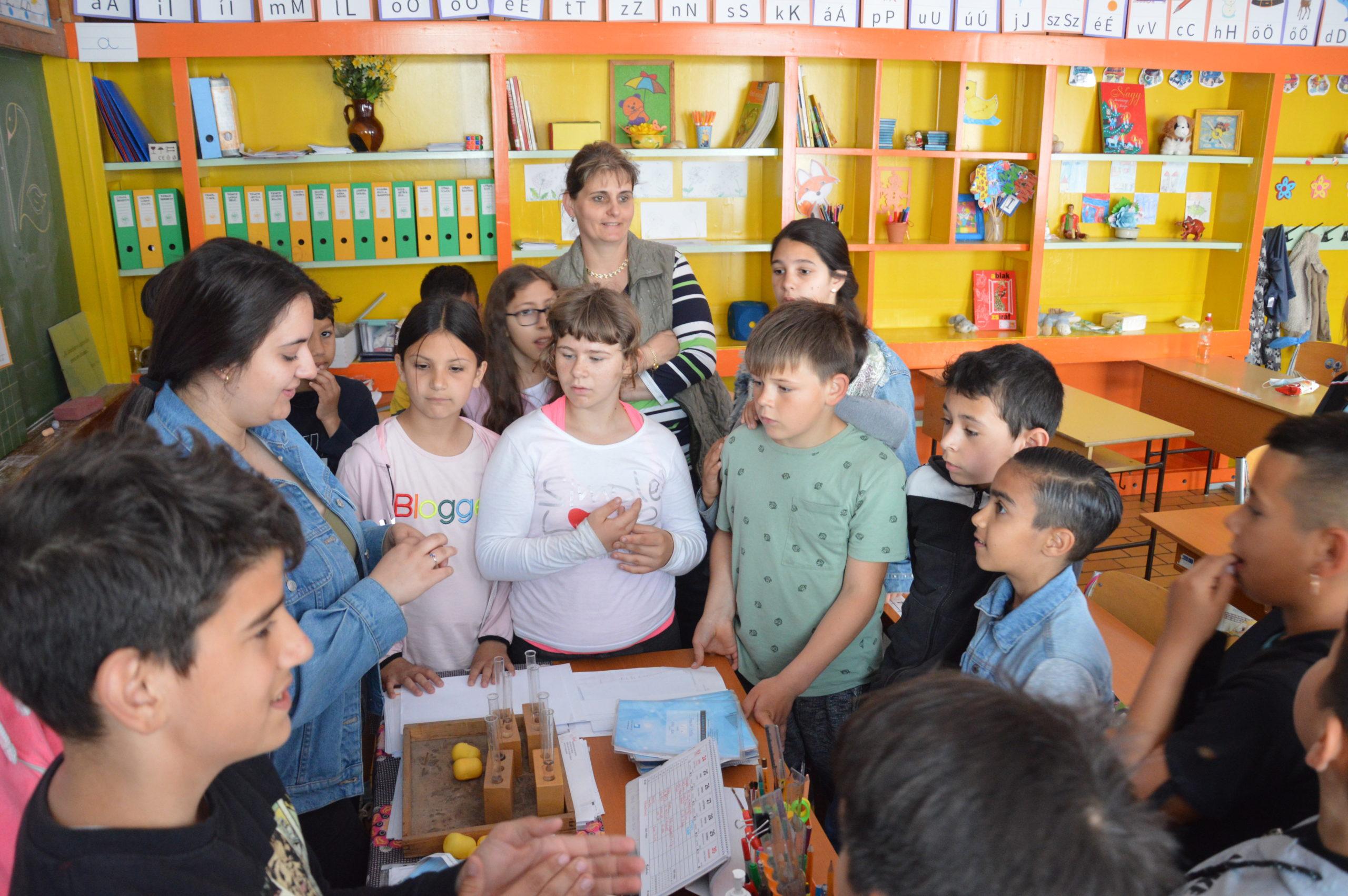 Bázisintézményi program és gyereknap a Reményhírben 10
